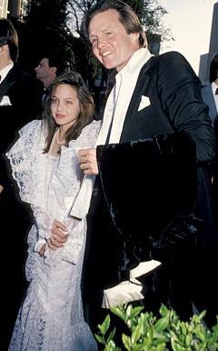 Angelina Jolie e sua evolução de estilo
