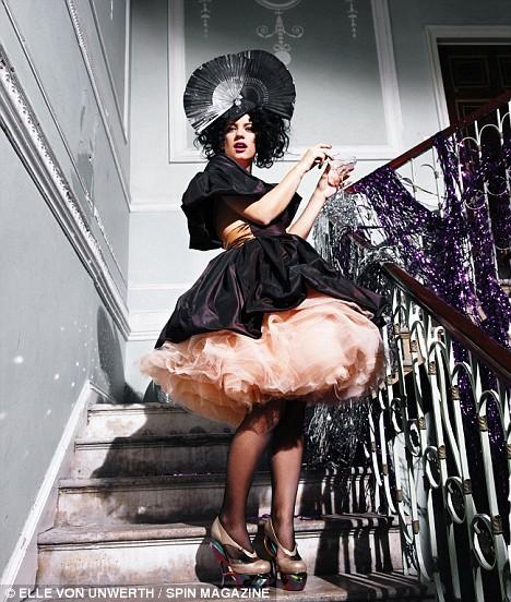 Lily Allen na capa da Spin