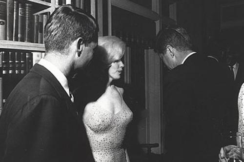 Robert, Marilyn e John