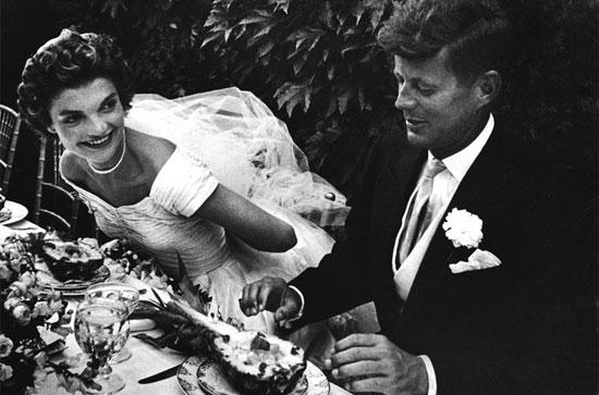Jackie e JFK no dia do casamento
