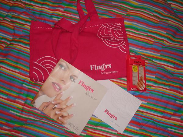 Kit Fingrs: ecobag, unha postiça e catálogo