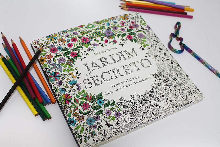 Um livro para colorir Jardim Secreto  Johanna Basford  Ana CarôAna