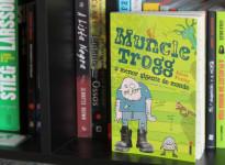 Andei lendo: Muncle Trogg: O menor gigante do mundo | Janet Foxley