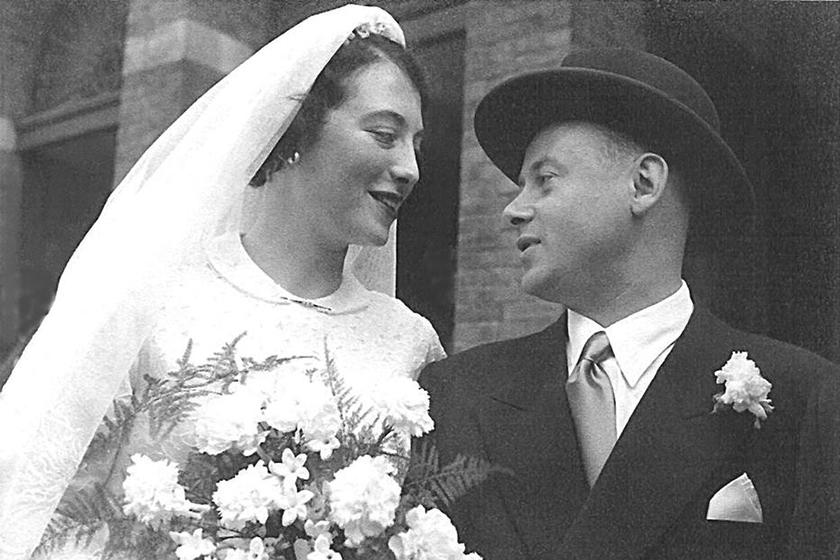 Nanette e John, seu marido, no dia do casamento. Foto: Estado de São Paulo.